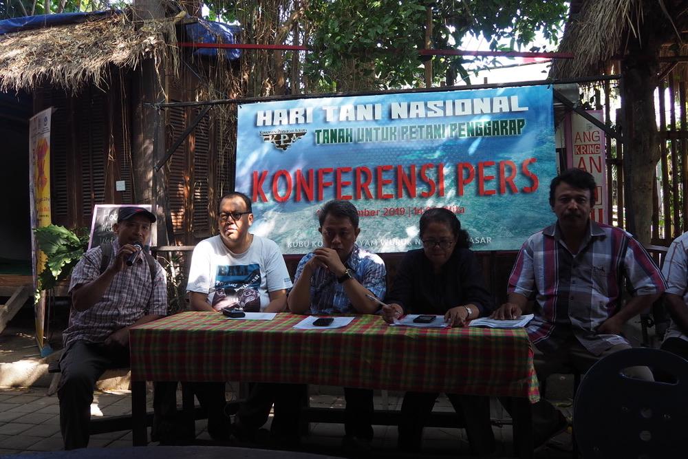 KPA Bali saat jumpa pers di Denpasar menyoroti maraknya konflik agraria di Bali. Foto Anton Muhajir.