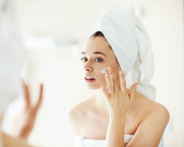 Aprendar a tirar o máximo dos seus produtos de beleza (Foto: Thinkstock)