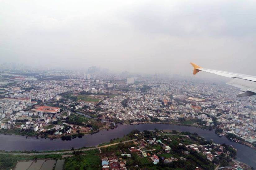 Kota Ho Chi Minh dari udara, padat seperti Jakarta ya....