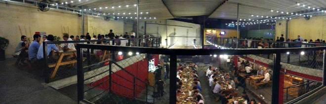 Pemandangan dari lantai dua Quan Ut Ut