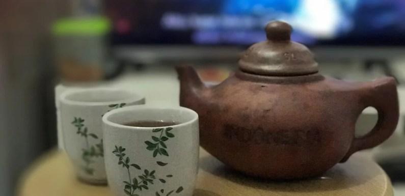 Filosofi Teh Poci: Nikmati Dulu Pahitnya, Baru Manisnya
