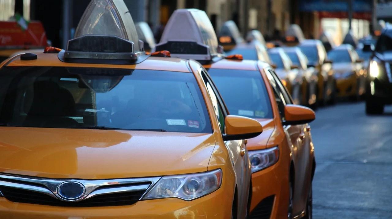 Putusan MA Tentang Pembatalan 14 Poin Aturan Taksi Online
