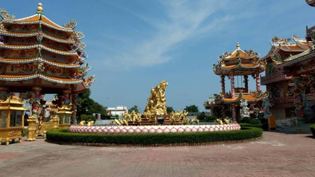 Nha Ja Sa Tai Jue Shrine Pattaya