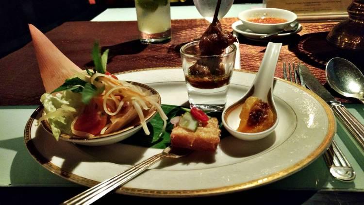 Romantic Dinner Apsara Cruise Bangkok