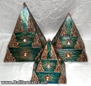 1-pyramid-wood-boxes-bali