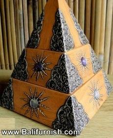 9-pyramid-wood-boxes-bali