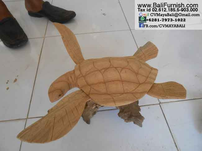 Wooden animals wood crafts from bali indonesia balinese