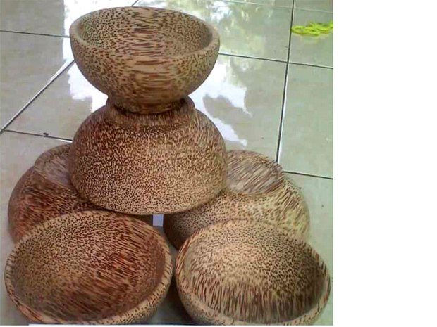 coconut-wood-bowls-bali-indonesia