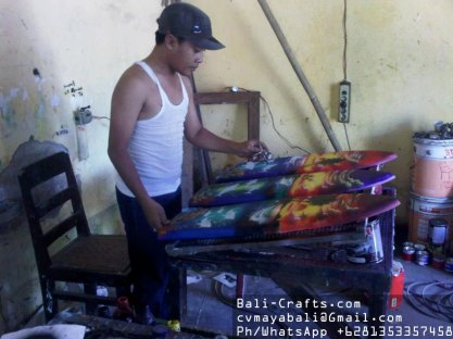 airbrush-surfing-board-factory-indonesia-1