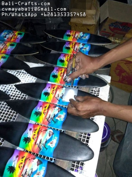 airbrush-surfing-board-factory-indonesia-16