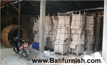 waterhyacinth-furniture-indonesia-factory