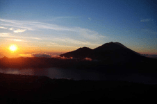 climbing-mount-batur-to-see-amazing-sunrise-then-continue-to-soaking-at-batur-nature-hot-spring