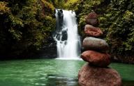 pucuk-waterfalls-sambangan-trekking-with-local-guide