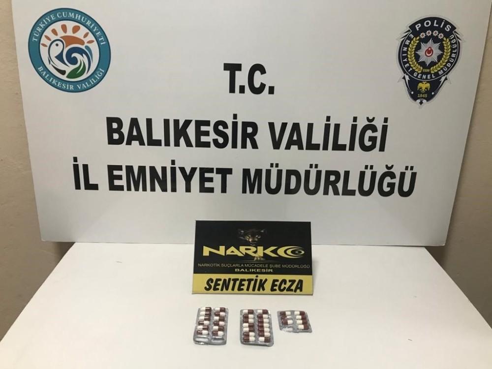 Balıkesir'de polisten 11 kişiye uyuşturucu operasyonu