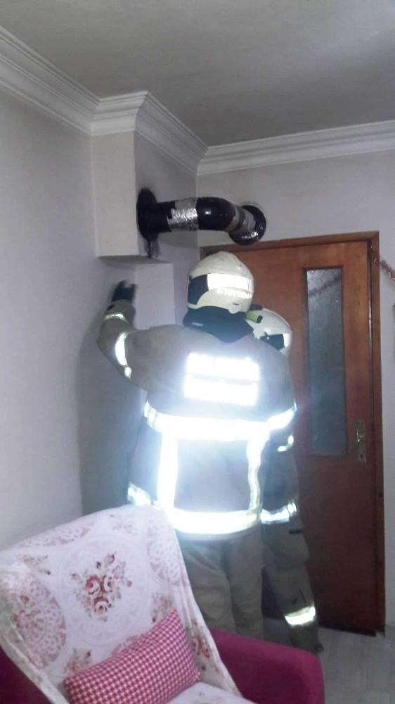 Burhaniye'de baca yangını korkuttu