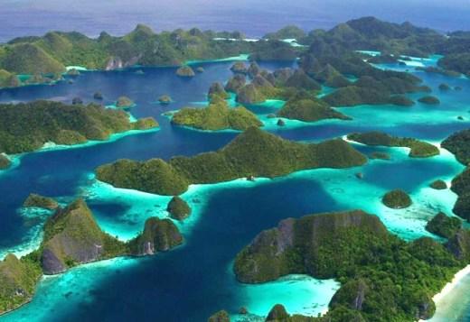 Raja Ampat – Dive Cruise (10 days / 9 nights – Griyasari Tours & Travel