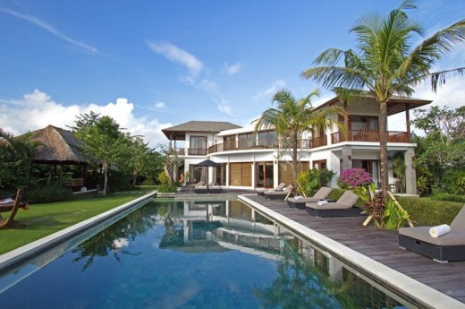 Six Bedroom Luxury Pool Villa in Bukit Jimbaran Bali