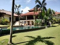 Villa 4 Bedrooms for lease in Canggu Bali
