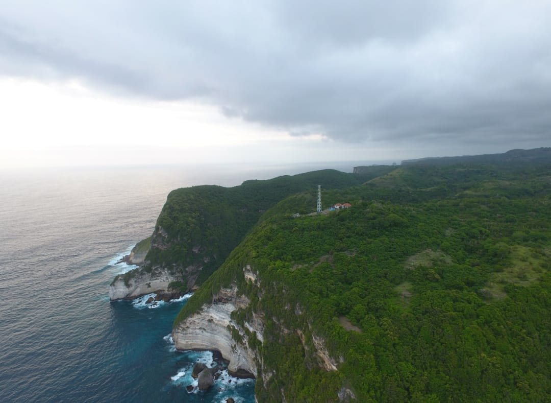 Beach and cliff front land 500,000 m2, Nusa Penida Island Bali