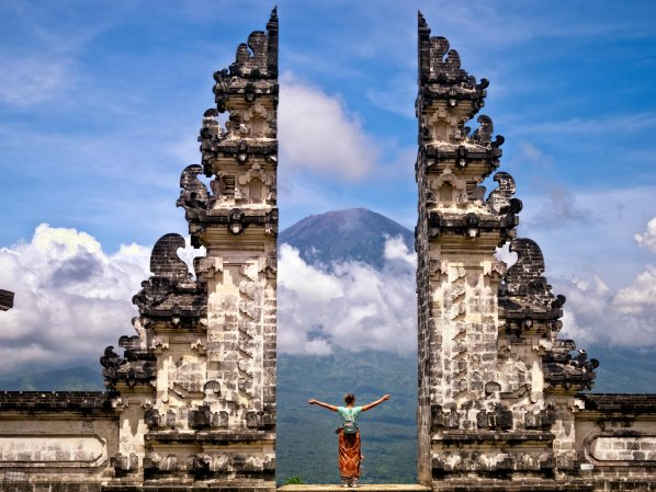 Journey to Lempuyang Temple - What You Need to Know about Lempuyang Temple in Bali - mrbalitour.com