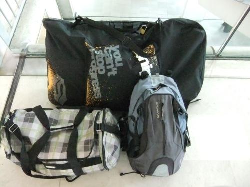 explorer surfer valise aéroport balisolo