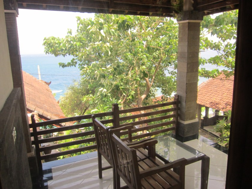 Room n°2 terrace at Wawa wewe rock homestay in Banuyning (Amed area), Karangasem, Bali, Indonesie