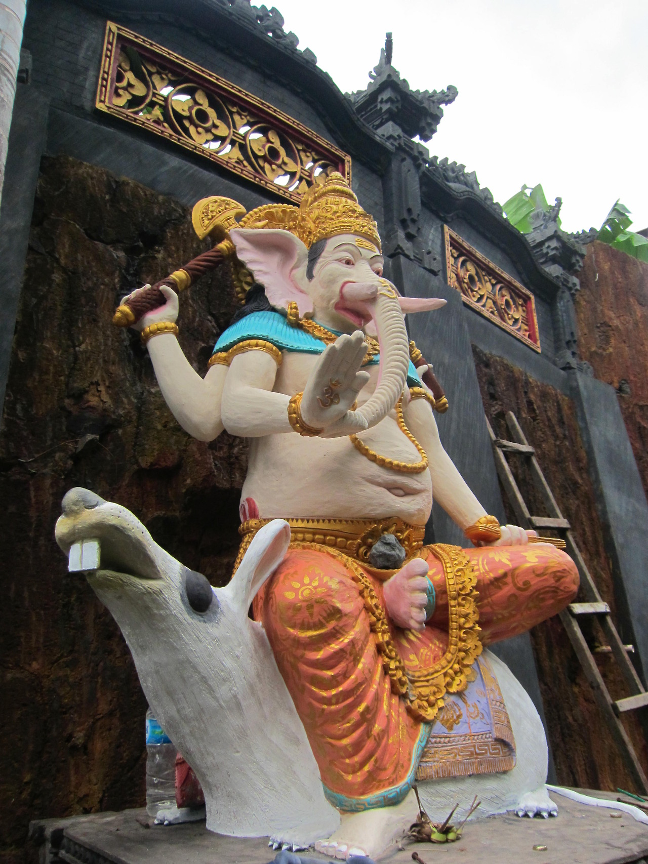 Big Ganesh dans le futur centre de méditation de Suala à Amlapura
