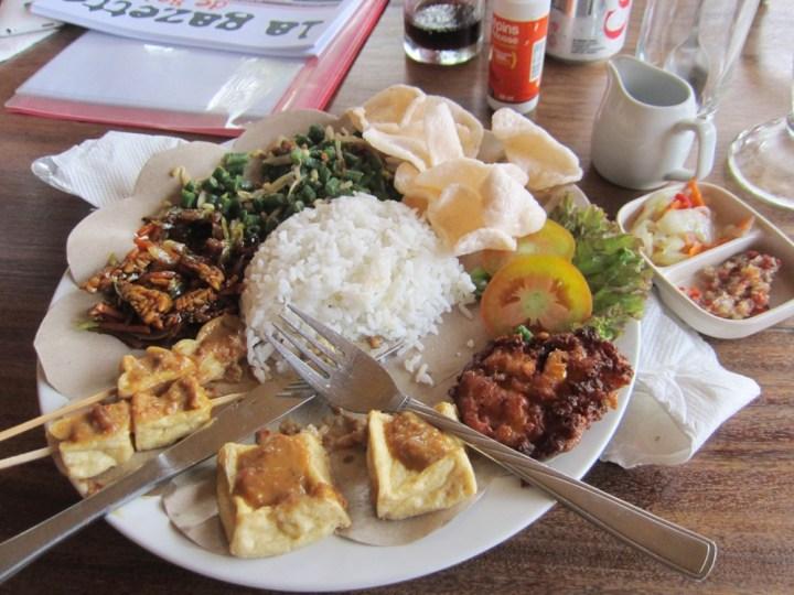 Indofood : Nasi Campur au Rendez-vous doux à Ubud