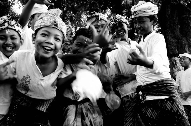 "Les sourires de Bali ""Saraswati Upacara"" © Damien Menage, MD Photography - Denpasar (Bali, Indonésie) - 2010."