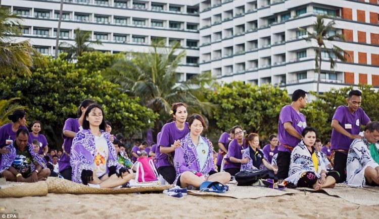 Record du monde  le plus grand massage de masse à Bali  © EPA (6)