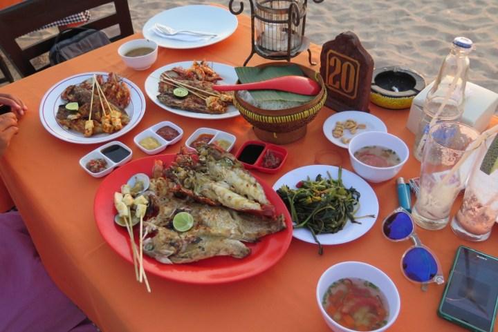 Incontournable dîner les pieds dans le sable à Jimbaran - Balisolo (11)