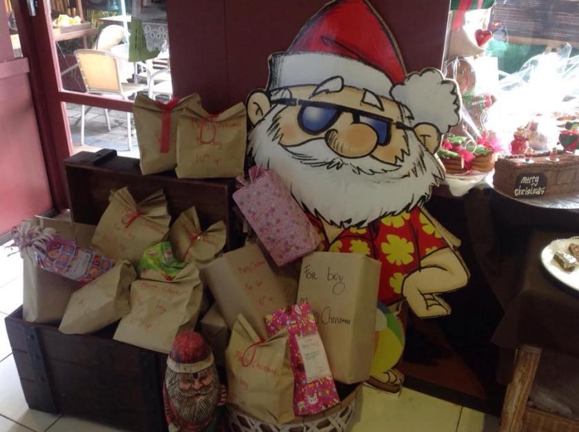 le-projet-santa-shoebox-un-cadeau-pour-noel-1
