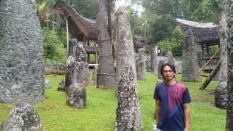 Christian Sura guide francophone sulawesi (1)