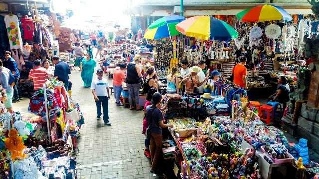 wisata bali keren, pasar traditional ubud