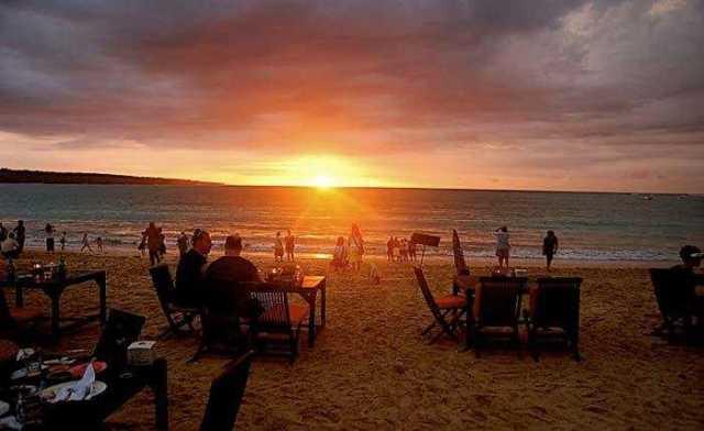 tempat favorite di bali - pantai jimbaran