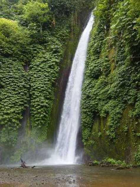 Wisata Air Terjun Bali