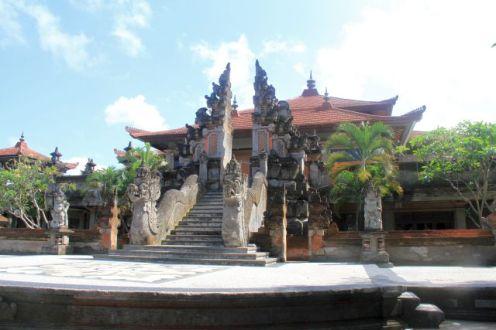 Indonesia-Bali-Art-Center-(1)