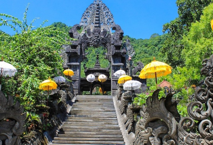 Melanting Temple, A Place of Worship To Worship the Goddess of Money