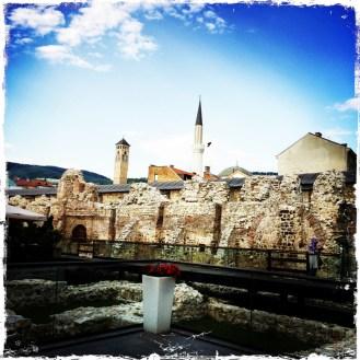 Sarajevo, meine Perle! Am Luxushotel Europa vorbei geht es zur Altstadt Baščaršija, dem 500 Jahre alten osmanischen Markt. (Foto: balkanblogger)