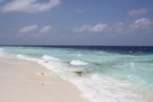 Weißes Strände und türkisfarbenes Meer (Foto: balkanblogger)