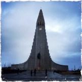 Der Weg in den Kirchturm erfolgt in einem Aufzug. Aber Vorsicht! In Island kann es sehr windig werden! Je höher man sich befindet, um so stärker ist der Wind! Und er kann sehr laut werden. Dennoch, der Ausblick ist wundervoll! (Foto: balkanblogger)