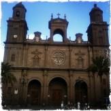 Am Hauptplatz der Altstadt steht die Kathedrale Ana aus dem 15. Jahrhundert (Foto: balkanblogger.com)
