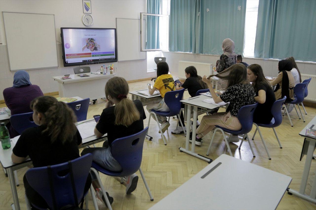 Bosna Hersekli öğrenciler gönüllülük projesi kapsamında Türkçe öğreniyor