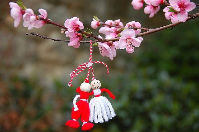 """Bulgaristan'da ilkbaharın gelişi """"Baba Marta"""" geleneği ile kutlanıyor"""
