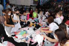 Bulgaristan'dan gelen turistler Edirne'de alışveriş yoğunluğu oluşturdu