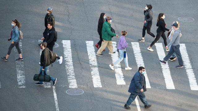 Covid: İsrail'in 'yaklaştığı' 'toplumsal bağışıklık nazıl kazanılır?