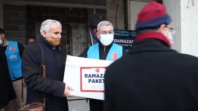 Türkiye Diyanet VakfıBosnaHersek'te ihtiyaç sahibi ailelere gıda yardımı yaptı