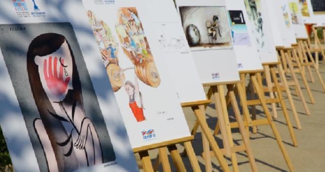 Efes'te eşitlikçi karikatür sergisi açıldı