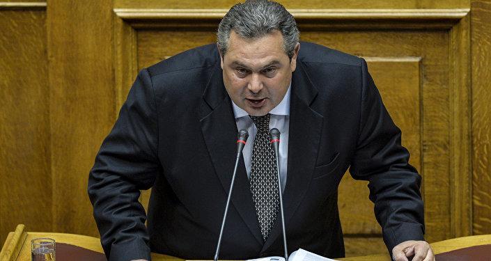 Eski Yunanistan Savunma Bakanı Kammenos, Sputnik V ile aşılanmak için Sırbistan'a gitti