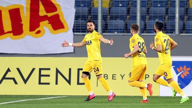 Galatasaray'dan, Ankaragücü futbolcusu İbrahim Akdağ paylaşımı: Aynı futbolcu, aynı aldatma